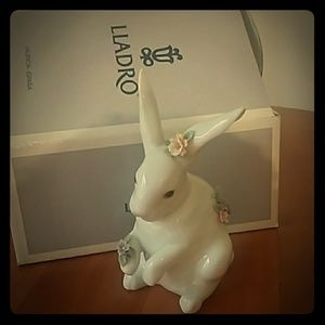 LLADRO Sitting Bunny with Flowers